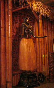Life-size bronze hula girl at Kona Club
