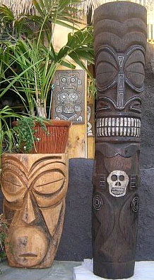 Tiki carved by 'OnaTiki