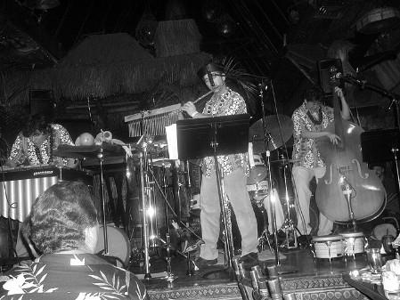 Waitiki, performing at the Mai Kai in 2005