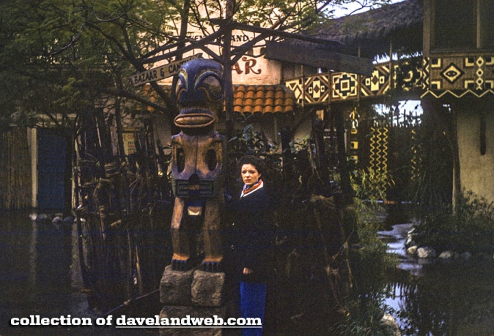 Tiki in front of Disneyland's Adventureland Bazaar, from Daveland
