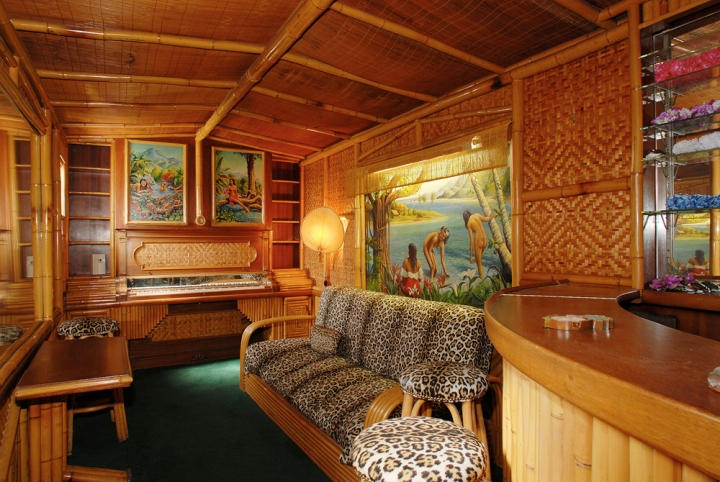 Tiki bar at the Wolf's Lair in Hollywood