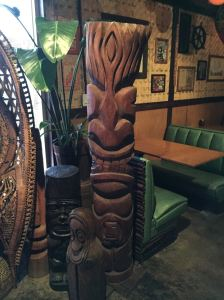 Tikis at Lei Low