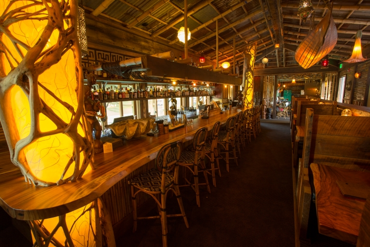 The bar at North Shore Lagoon