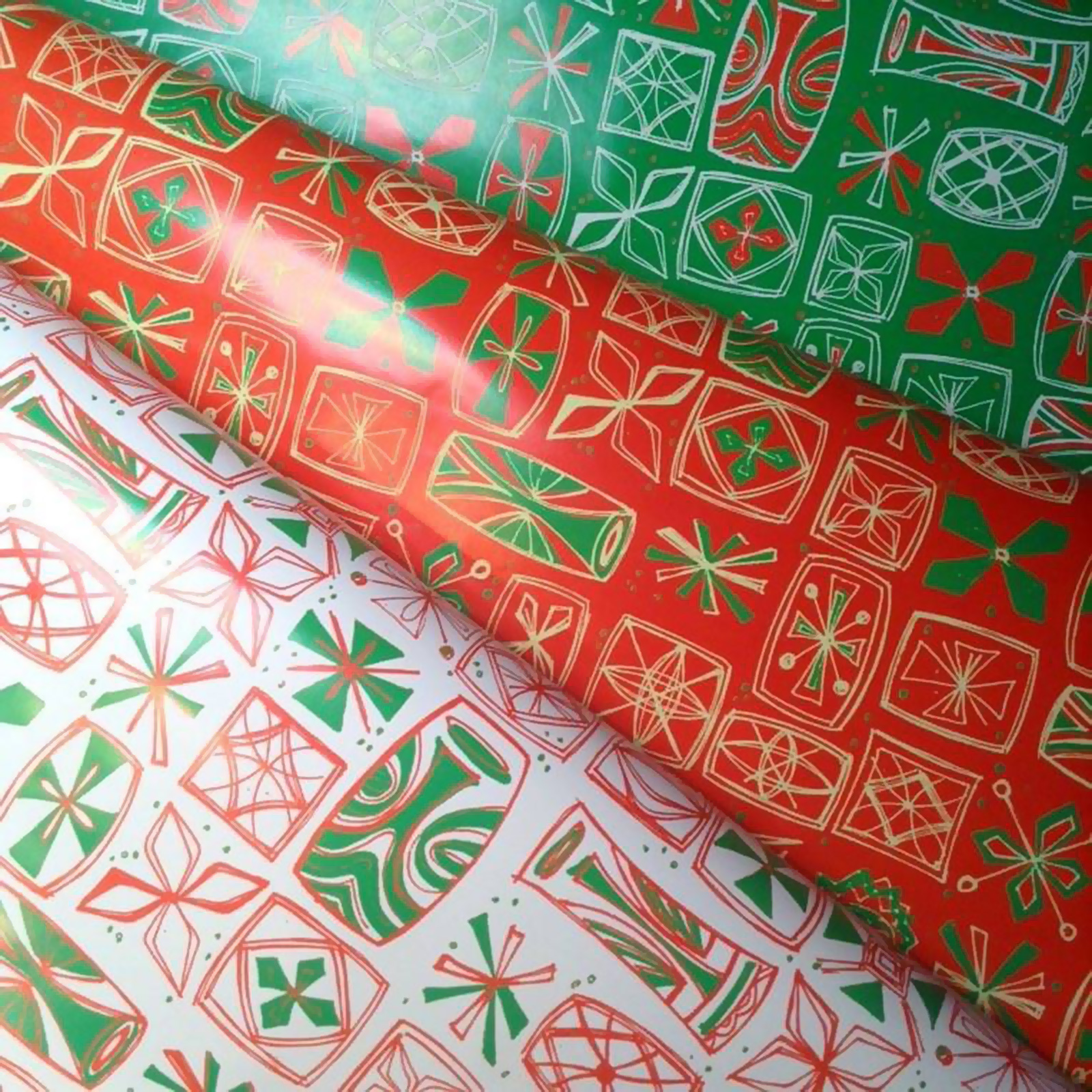 Sophista-tiki gift wrap