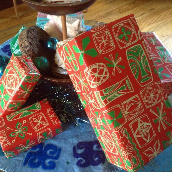 sophista-tiki-gift-wrap
