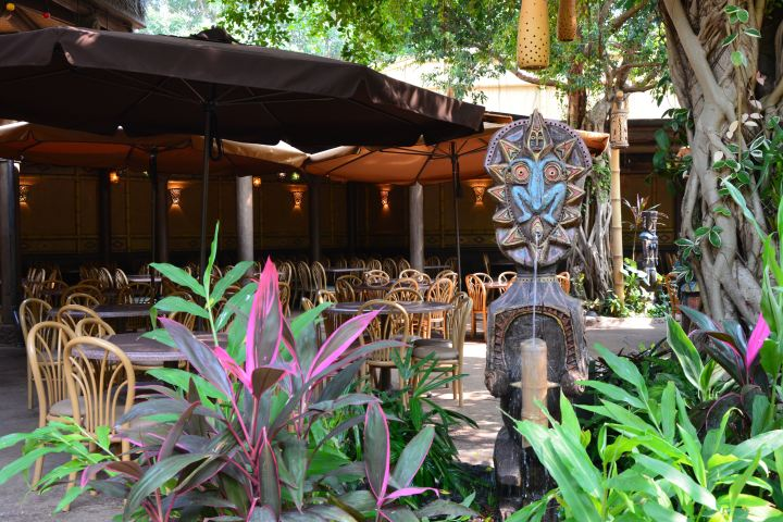 Tahitian Terrace at Hong Kong Disneyland, photo by Robin