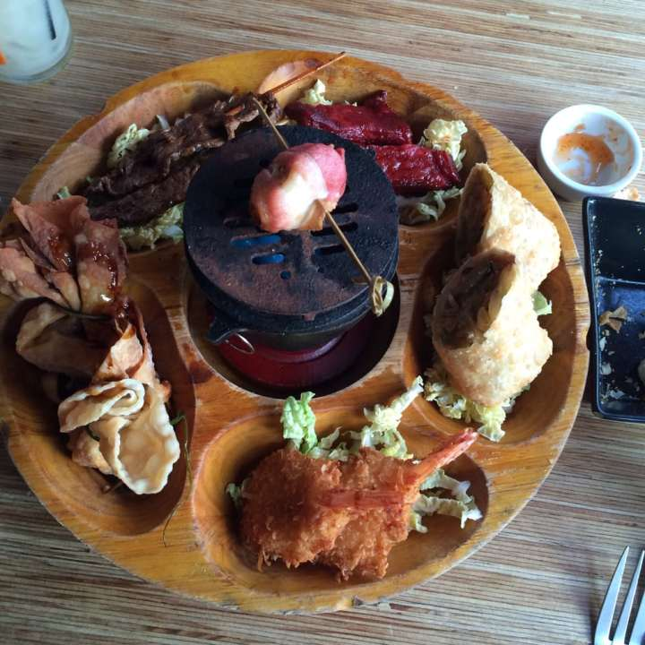Flaming Pu-Pu Platter at Tonga Hut in Palm Springs, CA, photo by Veronica C. on Yelp