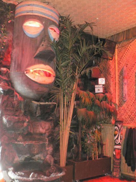 Bamboo Hut, photo by Humuhumu
