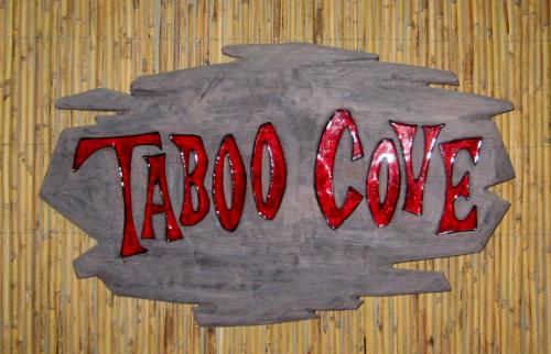 Taboo Cove, photo by Humuhumu
