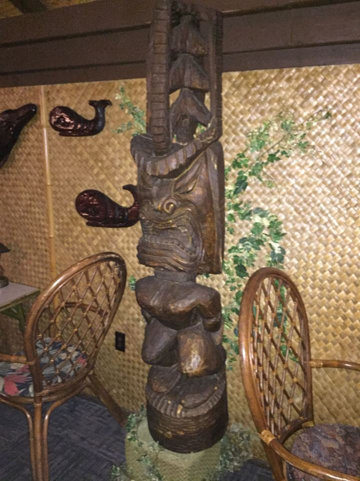 Tiki at Hala Kahiki in River Grove, IL, photo by Critiki member Hang10Tiki
