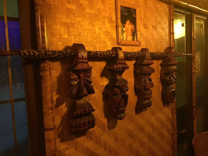 Witco carvings at Hala Kahiki in River Grove, IL, photo by Critiki member Hang10Tiki