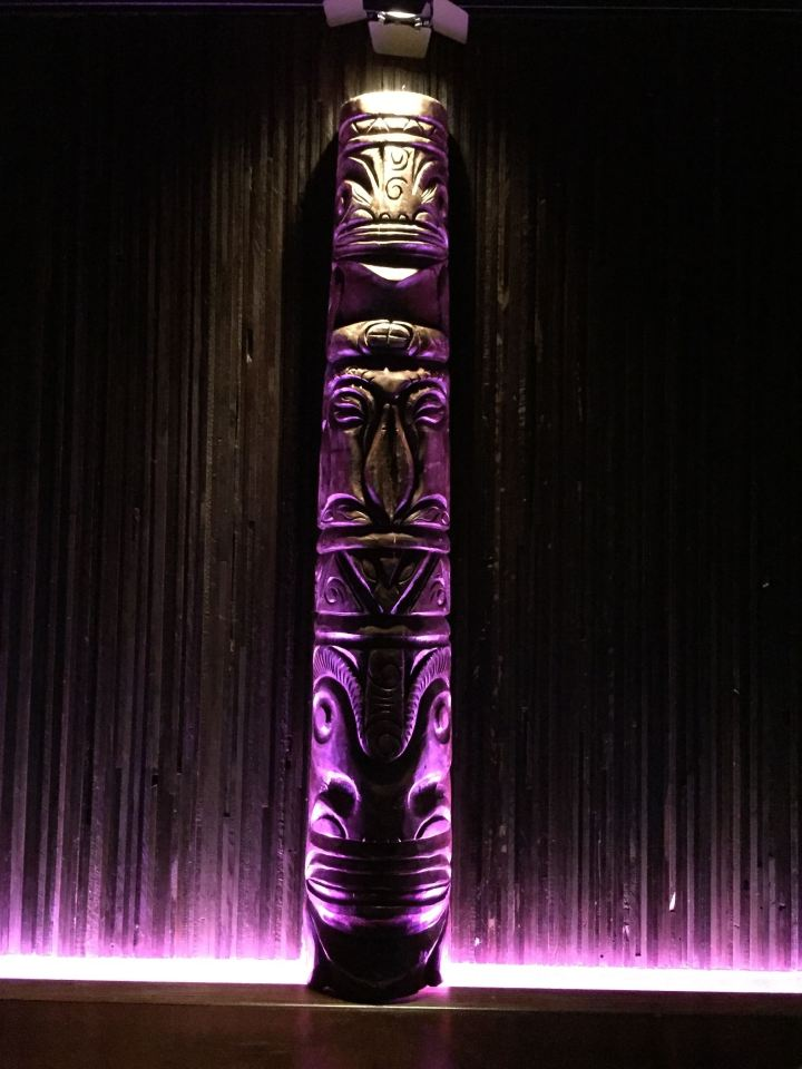 Tiki pole at Three Dots and a Dash in Chicago, photo by Critiki member Hang10Tiki