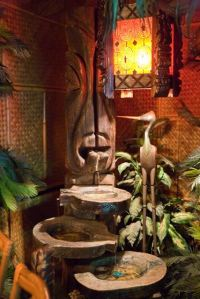 Iconic Witco fountain at Hala Kahiki, photo by Critiki member TikiMonkey